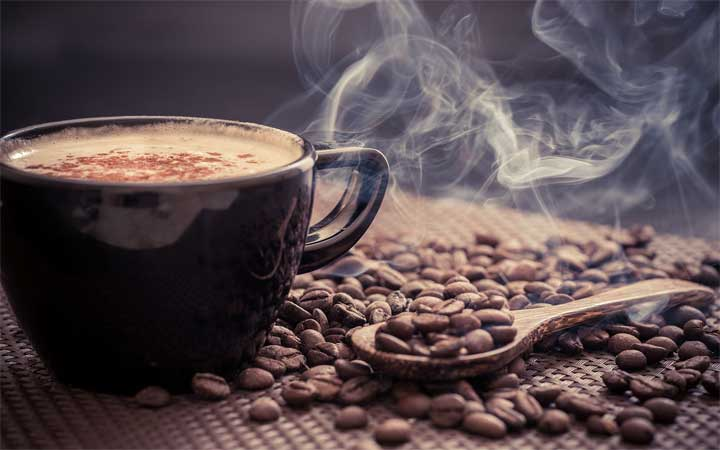 شرب القهوة يوميا يحمي من أمراض القلب