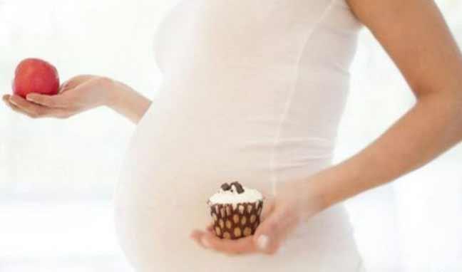 """النظام الغذائي للحامل """"مرتبط"""" باحتمال إصابة وليدها بمرض في القلب"""