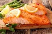 اللحم الأحمر يقود للعمى والسمك يحمي من السرطان