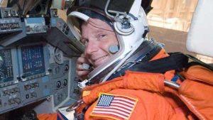 رائد الفضاء الأمريكي يشك في نجاح بعثة فضائية إلى المريخ بدون روسيا