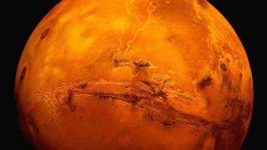 ناسا تكشف سر المريخ: مياه متدفقة سائلة على سطحه واحتمالية وجود حياة عليه