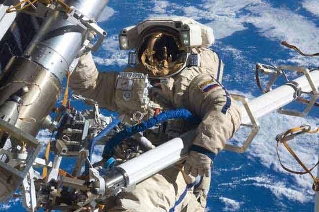 """""""روس كوسموس"""" الروسية تعرض رحلة فضائية على يوتيوب"""