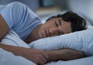 النوم العميق ليلاً يساعد على خسارة الوزن الزائد