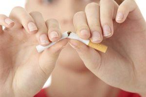 التدخين يضاعف خطر تساقط الأسنان