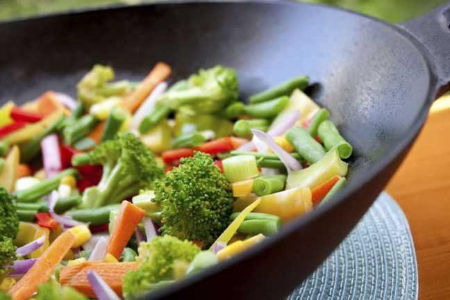 5 أطعمة تساعدك على كبح الشهية