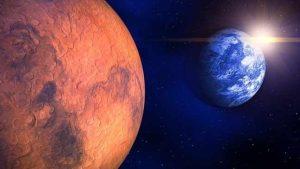 بعد اكتشاف الماء السائل على سطح المريخ.. العلماء يحذرون من تهديد الكائنات الفضائية