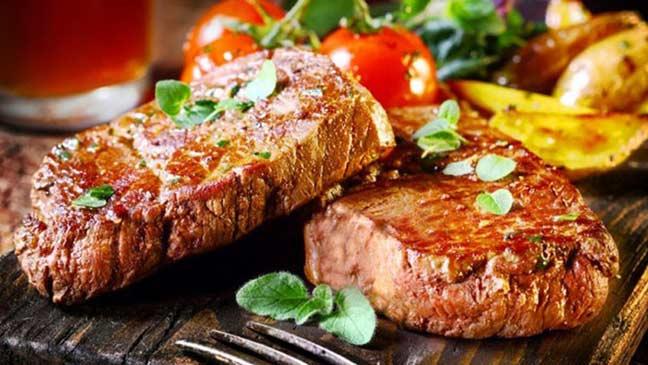 الامتناع عن تناول اللحوم قد يسبب الموت