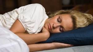 النوم ست ساعات في اليوم أكثر ضررا من الأرق