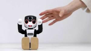 """إطلاق الروبوت الراقص """"Robohon"""" في اليابان"""