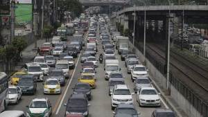 الفلبين تبتكر حلولا لشلل حركة المرور في مانيلا