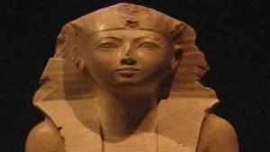 """""""حتشبسوت"""" الملكة التي حولها المصريون إلى ذكر"""