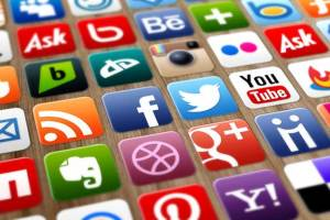 5 أمور في وسائل التواصل الاجتماعي.. قد تدمر حياتك