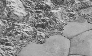 ناسا تنشر صورا مذهلة من سطح بلوتو
