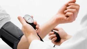 كيف تستمع بإجازتك رغم ضغط الدم المرتفع