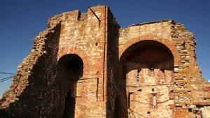 علماء الآثار يدرسون أقدم الكنائس في روسيا