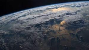 كوارث تهدد بقاء البشر على سطح الأرض