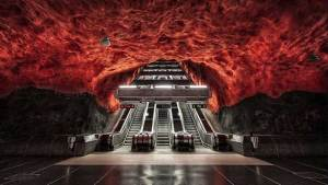 """محطة مترو """"سولنا"""" في ستوكهولم، السويد"""
