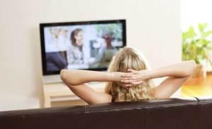 مشاهدة التلفاز ساعات طويلة قد تكون قاتلة