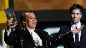 وفاة أيقونة الغناء في أمريكا اللاتينية خوان غابرييل عن 66 عاما