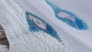ظهور بحيرات في القارة الجنوبية يقلق العلماء