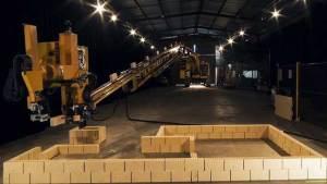 روبوت يبني منزلا بأكمله في يومين فقط