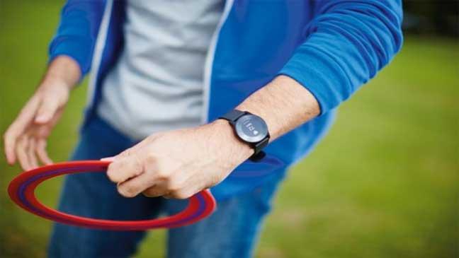 فيلبس تطلق ساعة ذكية جديدة للمصابين بأمراض مزمنة