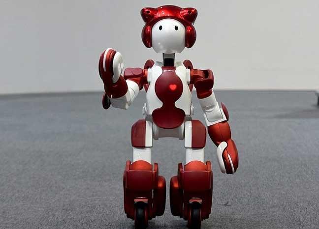 الروبوتات تستقبل المسافرين في مطارات اليابان