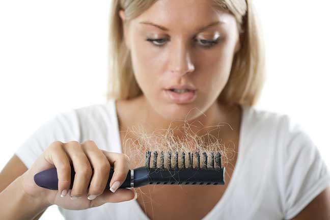 حلّ طبيعي وجذري لتساقط الشعر