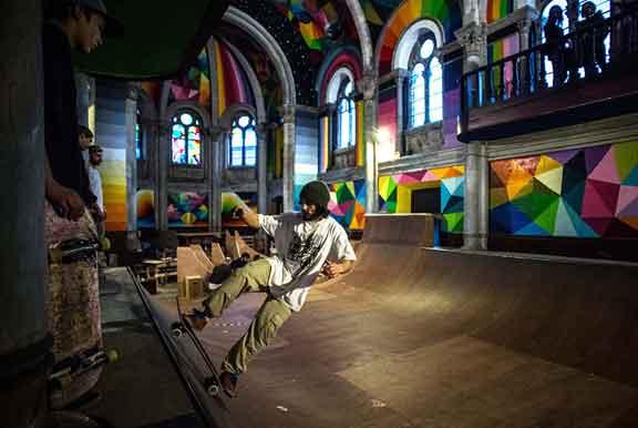 سكيت بارك في كنيسة بمدينة يانيرا في إسبانيا