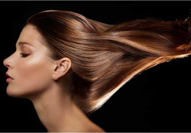افضل الطرق الطبيعية لـتنظيف فروة الشعر