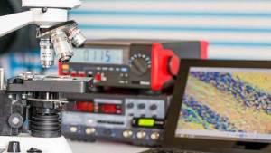 علماء سيبيريا يخترعون مادة لتصنيع شاشات مرنة