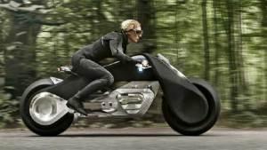 دراجة مستقبلية من بي إم دبليو لن يحتاج سائقها إلى خوذة حماية
