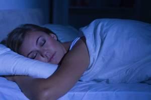 أطفئي الأنوار ليلاً لتحاربي سرطان الثدي