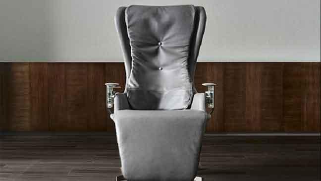 كرسي بسعر 26 ألف دولار… فما سره؟