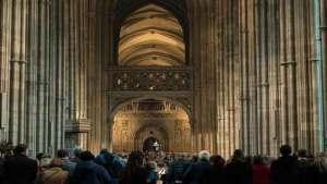 كنيسة إنجلترا فقدت أكثر من 100 ألف من مرتاديها في غضون عقد