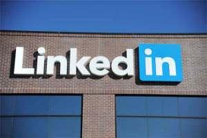 """حظر شبكة التواصل """" Linkedin """" في روسيا"""