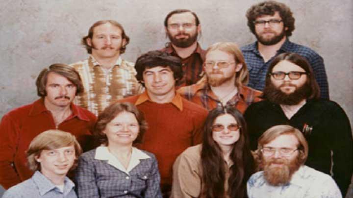 أين أصبح أول 11 موظفا في مايكروسوفت اليوم؟