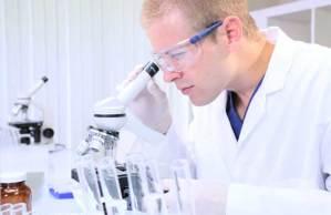 بروتين الكهولة حقيقة علمية كيف نستطيع تطويل أعمارنا