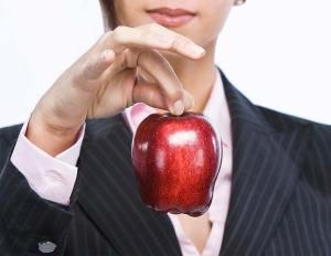 تفاحة كل يوم تقلل خطر الإصابة بمرض