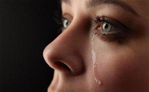 الدموع تحسن المزاج