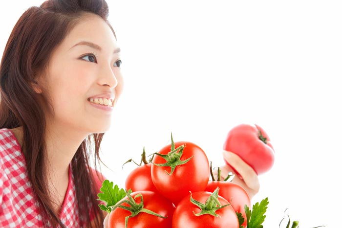 الطماطم سرّ البشرة المثالية