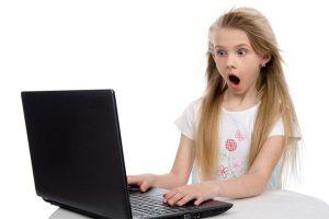 حماية الأطفال من مخاطر الإنترنت غير مجدية