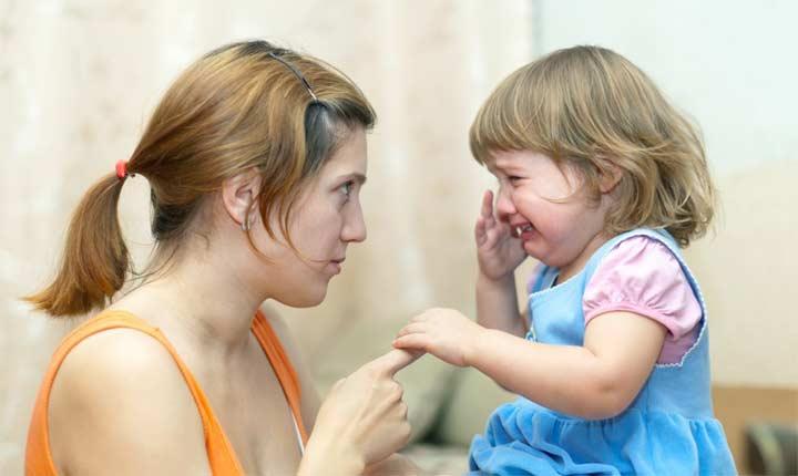 أسوأ كلمة تقولها الأم لطفلها