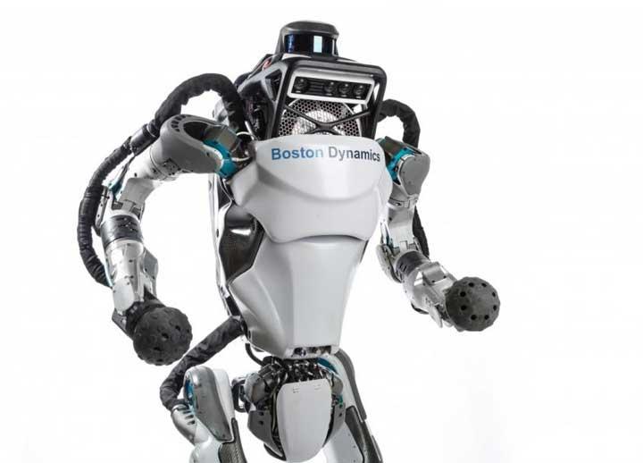 روبوت خارق يقوم بحركات رائعة