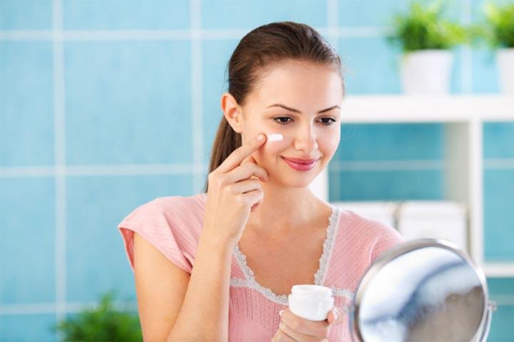 سبعة فوائد مذهلة لاستخدام الكريمات الليلية لبشرتك