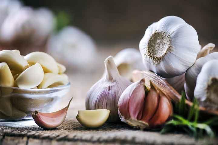 ماذا يحدث للجسم عند تناول الثوم دائما؟
