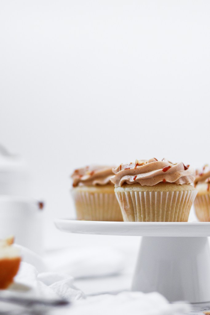 Peanut Butter Dolce de Leche Cupcakes on a cakestand