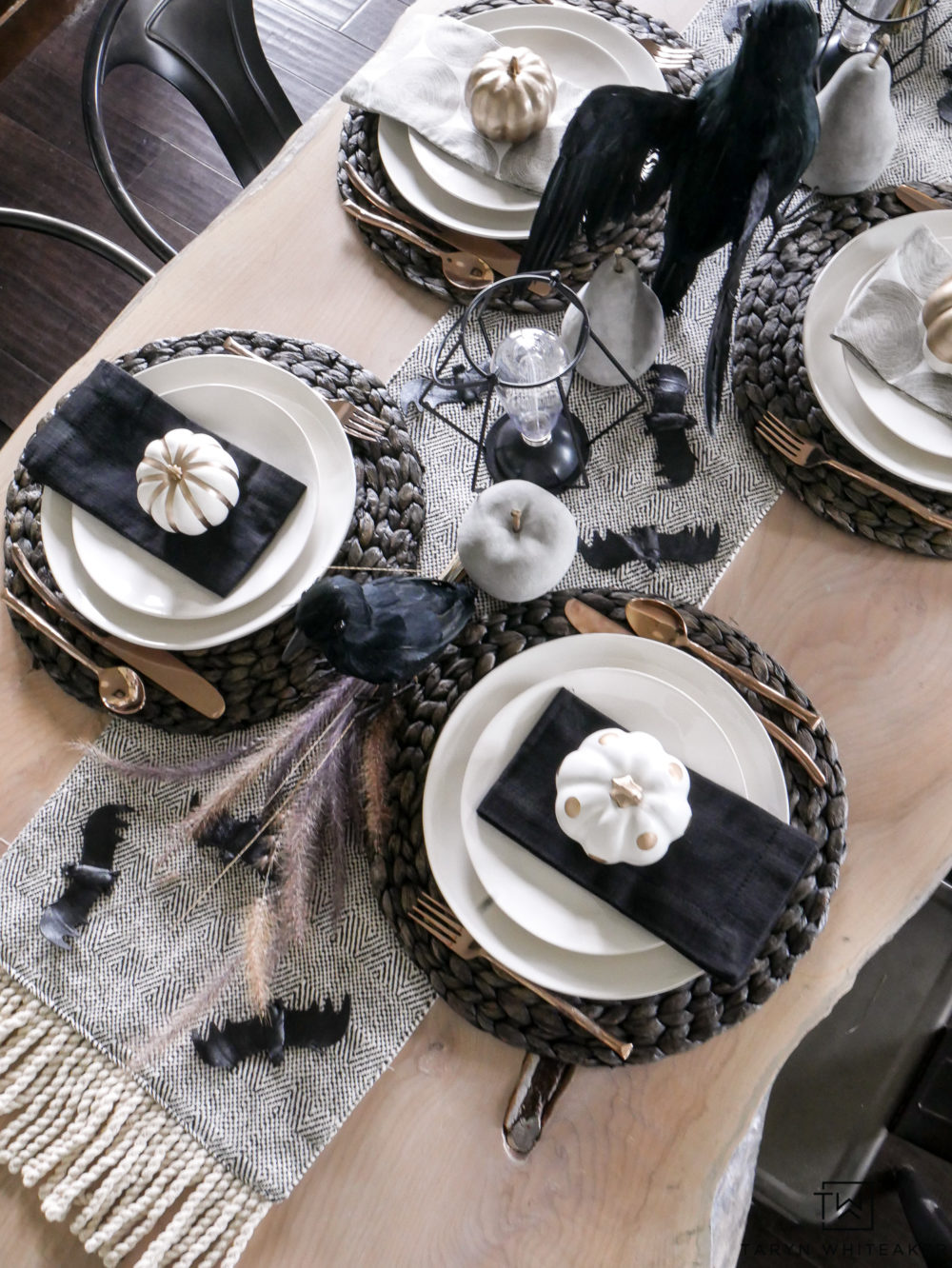 white halloween table decorations