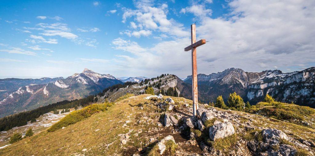 Croix au sommet de Pravouta