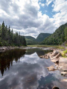 Petit lac dans la montée vers la montagne blanche